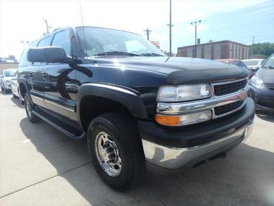 Chevrolet Suburban 2001 for Sale in Des Moines, IA