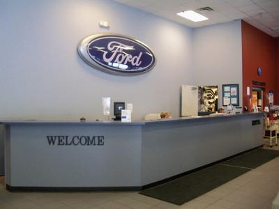 University Ford North Image 6