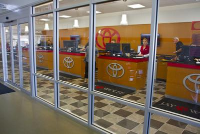 Jay Wolfe Toyota of West County Image 3