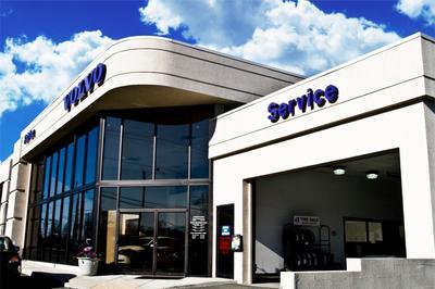 Fairfax Volkswagen / Fairfax Volvo Cars Image 2