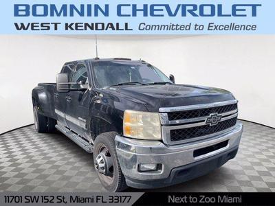 Chevrolet Silverado 3500 2011 for Sale in Miami, FL