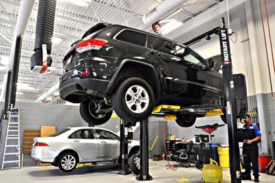 Safford Chrysler Jeep Dodge RAM Fiat of Springfield Image 4
