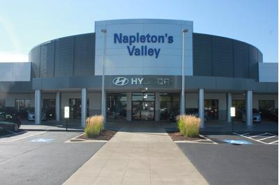 Napleton's Valley Hyundai Image 2
