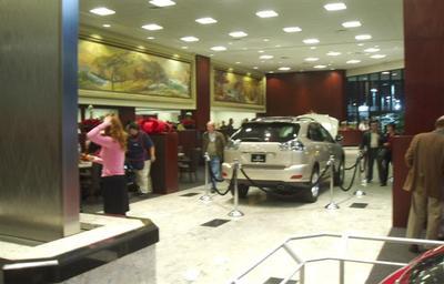 Lexus of Glendale Image 5
