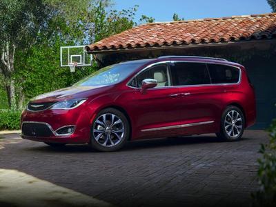 Chrysler Pacifica 2017 for Sale in Skokie, IL