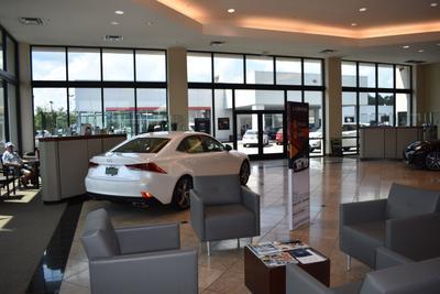 Lexus of Mobile Image 3