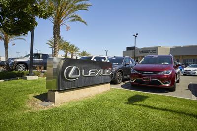 Lexus of Cerritos Image 1