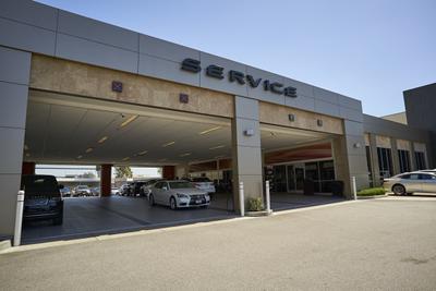 Lexus of Cerritos Image 6
