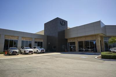 Lexus of Cerritos Image 7