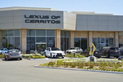 Lexus of Cerritos Image 8
