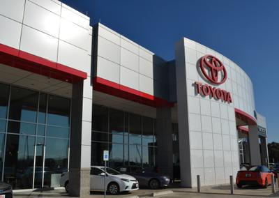 Toyota of Irving Image 2