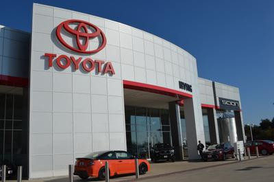 Toyota of Irving Image 8