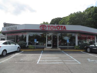 Toyota of Huntington Image 2