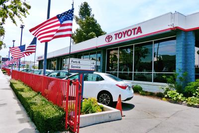 Toyota of Hollywood Image 1