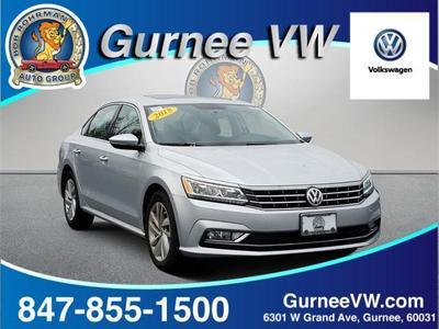Volkswagen Passat 2018 for Sale in Gurnee, IL