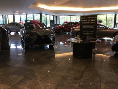 Lexus of North Hills Image 1
