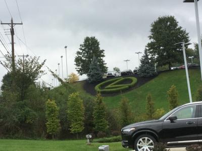 Lexus of North Hills Image 2