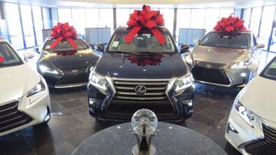 Lexus of North Hills Image 9