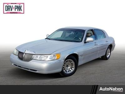 1999 Lincoln Town Car Cartier for sale VIN: 1LNHM83W7XY675177
