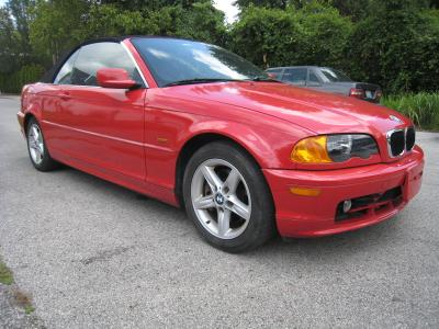 BMW 325 2002 for Sale in Louisville, KY