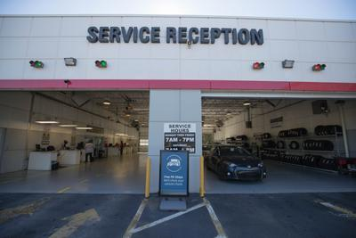 Autonation Thornton Road >> Autonation Toyota Thornton Road In Lithia Springs Including