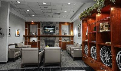 Lexus of Englewood Image 7