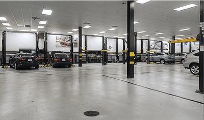 Lexus of Englewood Image 8