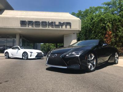 Lexus of Brooklyn Image 2