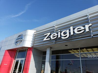 Zeigler Nissan of Orland Park Image 4