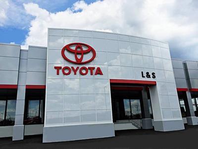 L & S Toyota of Beckley Image 9