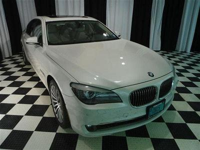 BMW 750 2010 for Sale in Machesney Park, IL