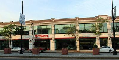 Herb Chambers Toyota of Boston Image 3