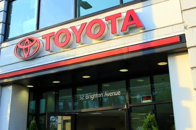 Herb Chambers Toyota of Boston Image 9