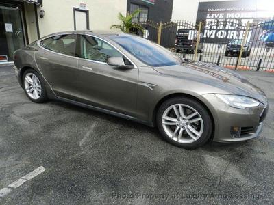 Tesla Model S 2015 for Sale in Marina Del Rey, CA