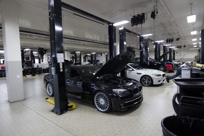 Beverly Hills BMW Image 8