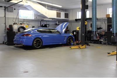 Porsche Larchmont Image 2