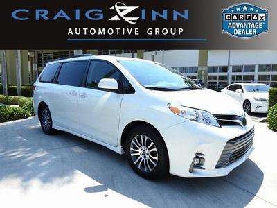 Toyota Sienna 2018 for Sale in Miami, FL