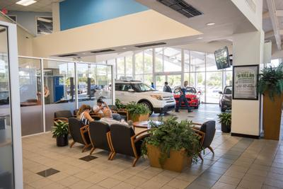 AutoNation Ford Miami Image 2