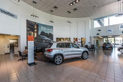 Momentum Volkswagen of Upper Kirby Image 1