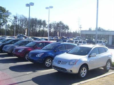Crown Nissan of Greenville Image 2