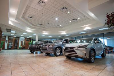 Lexus of Clearwater Image 2