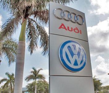 VW Audi of Naples Image 1