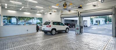 VW Audi of Naples Image 9