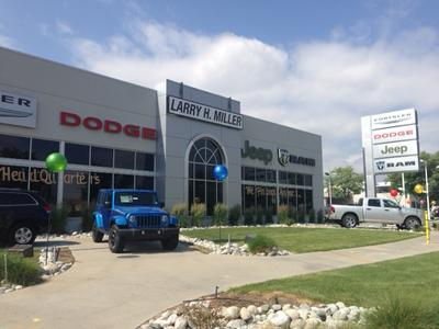 Larry H. Miller Chrysler Dodge Jeep Ram 104th Image 7
