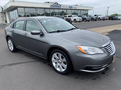 Chrysler 200 2013 for Sale in Saint Cloud, MN