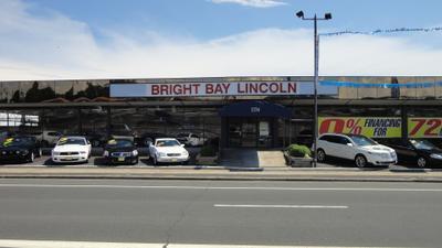 Bright Bay Lincoln Image 1