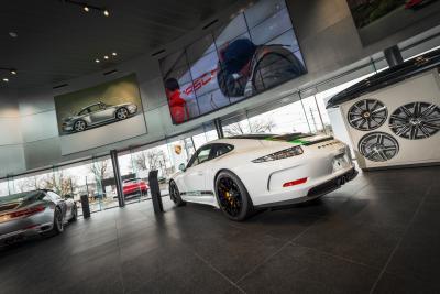Porsche of South Shore Image 5