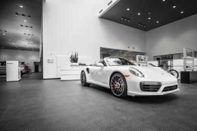 Porsche of South Shore Image 7