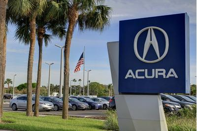 Crown Acura Image 6