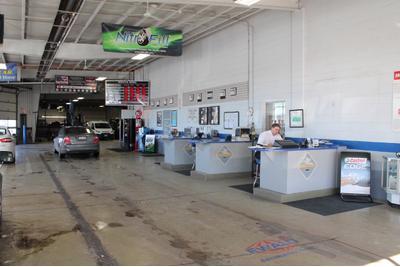 Ewald's Hartford Ford Image 6